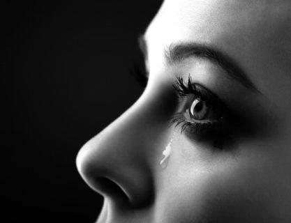 誹謗中傷で心がボロボロに…、もう…死にたい、そう思っているあなたへ。